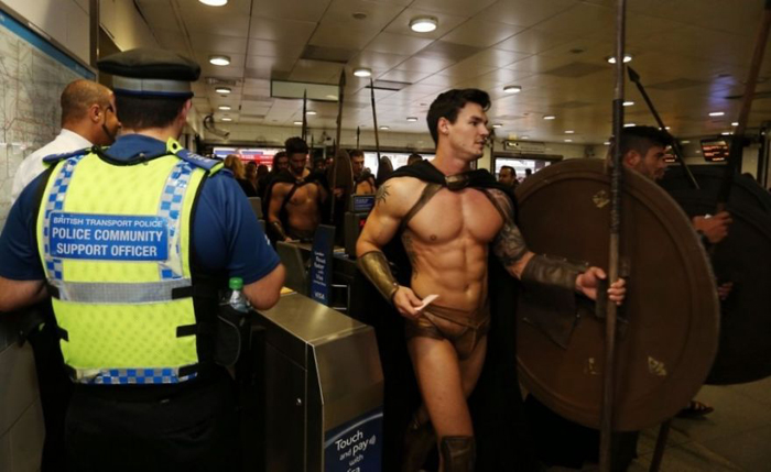 Спартанцы-спартанцами, а без билета в метро не попадешь.