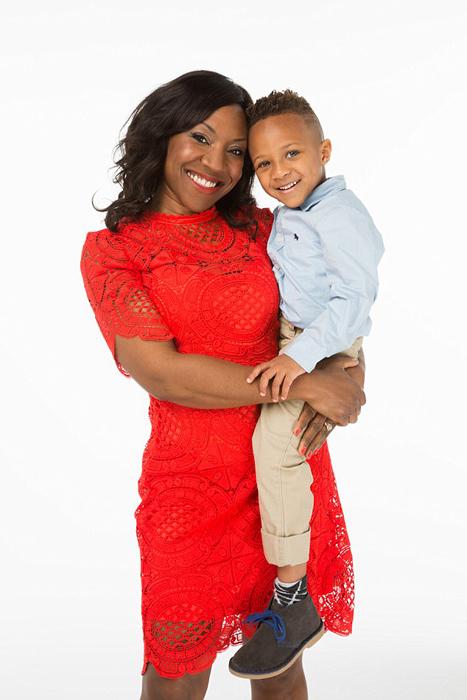 Аврил и ее младший сын Кайл.