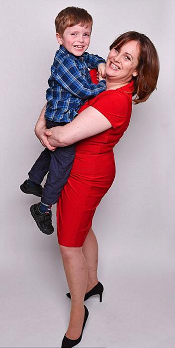 45-летняя Никола и ее 4-летний сын Тайлер.