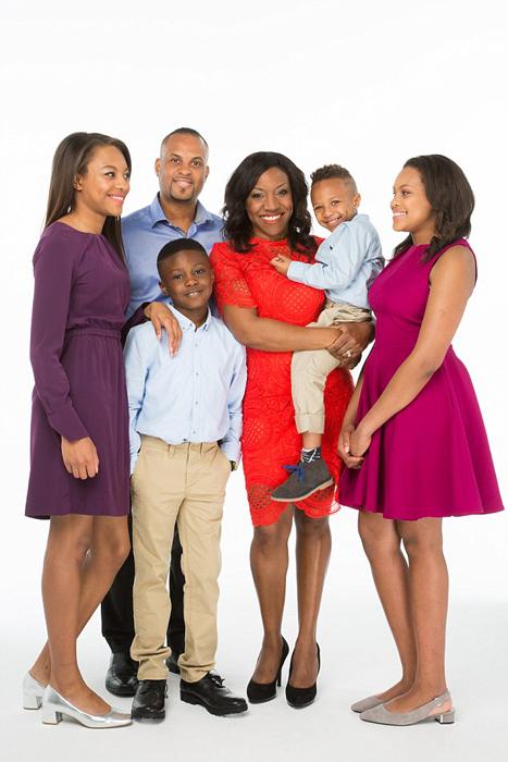 Аврил с мужем и детьми.