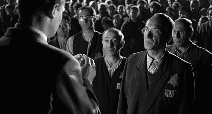 Кадр из финальной сцены фильма «Список Шиндлера».