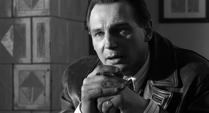Лиам Нисон в роли Оскара Шиндлера.
