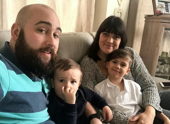 Дженна с мужем и своими двумя детьми.