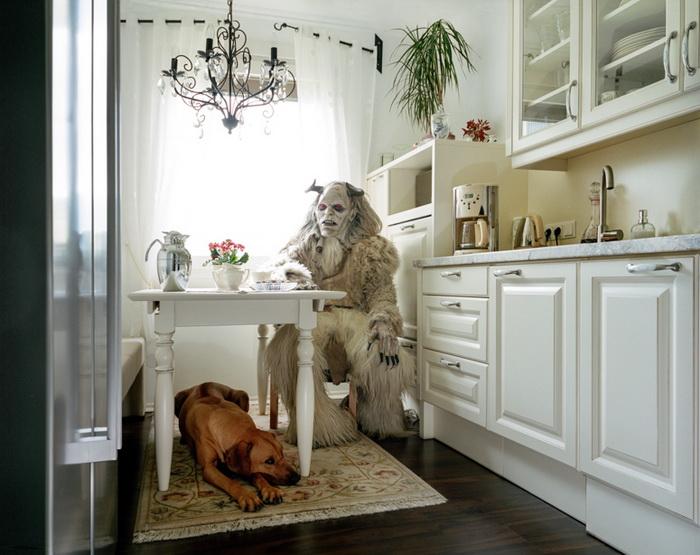 Чудовище на кухне.