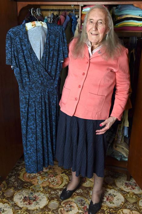 Раньше женскую одежду для Патриции покупала ее жена.