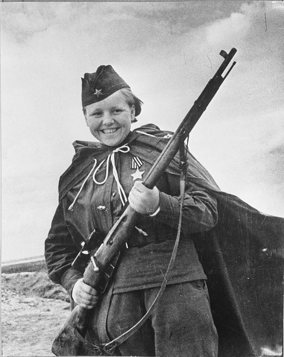 Женщина на фронте.