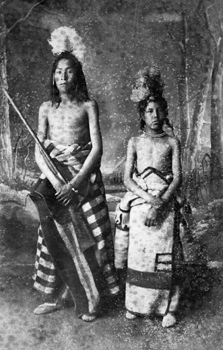 Мальчики племени Блэкфут. Около 1886-94. Автор фото: Alex Ross.