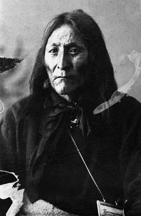 Crowfoot, вождь Блэкфутов, 1887 г. Автор фото: Alex Ross.