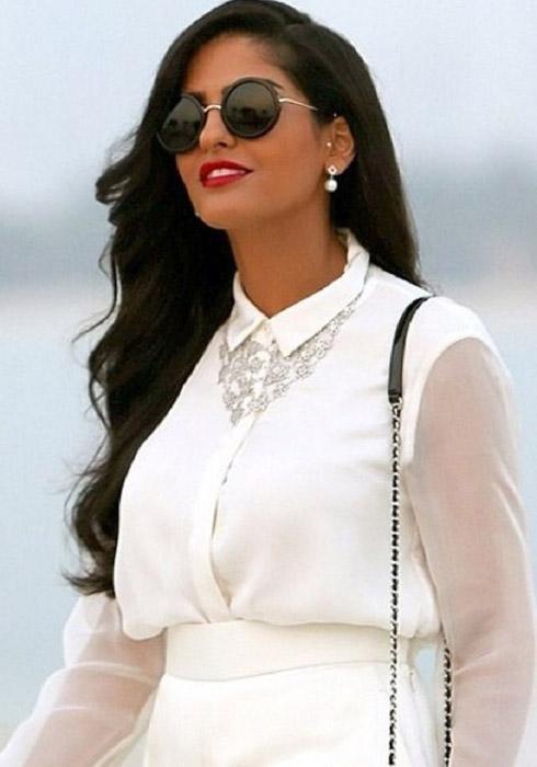 Красавица Амира.