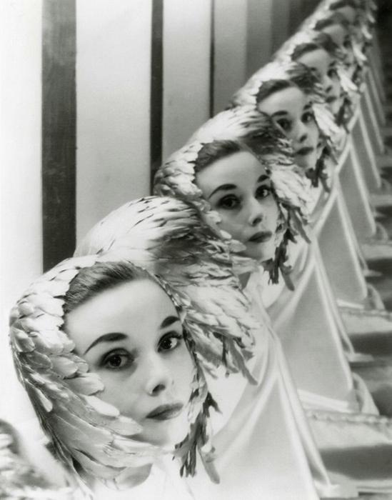 Одри Хепберн на студии в Нью-Йорке. Фотограф: Erwin Blumenfeld. Май 1952г.