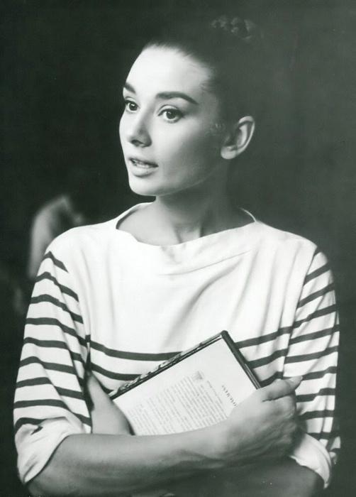 Одри Хепберн на студии Синечитта в Риме. Август 1955г. Фото:  Pierluigi Praturlon.