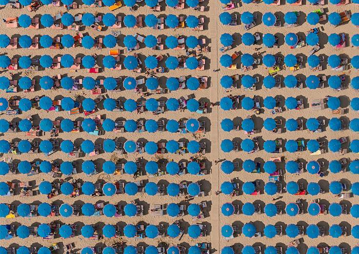 Аэрофотография Бернхард Ланга с берегов Адриатического моря.