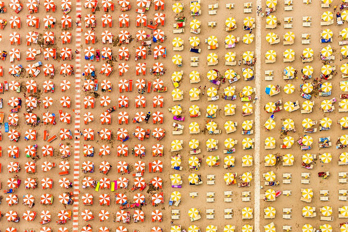Пляжная мозаика в объективе  Бернхарда Ланга.