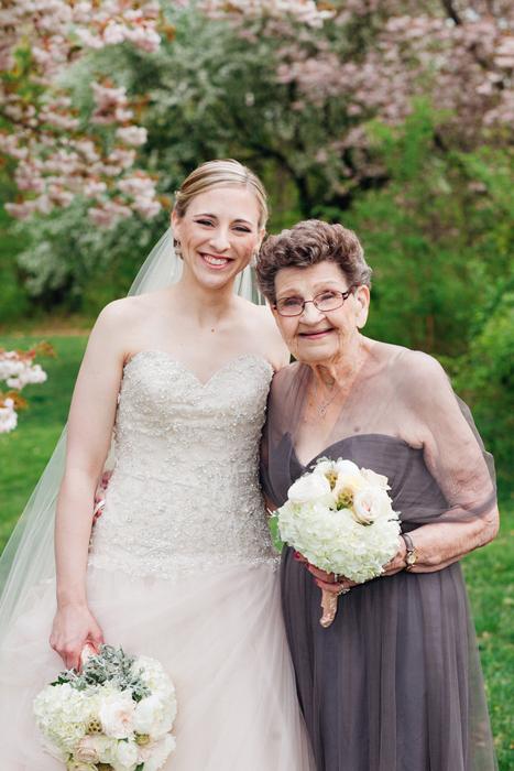 Кристин Квин со своей бабушкой Наной Бетти.