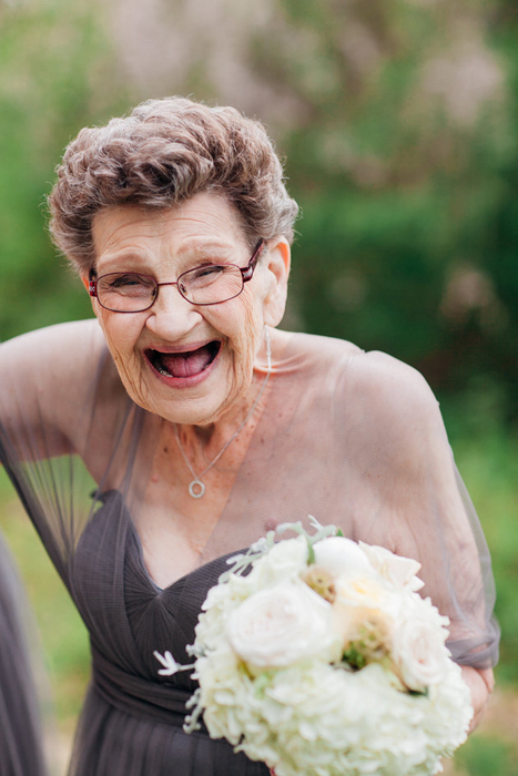 89-летняя подружка невесты.