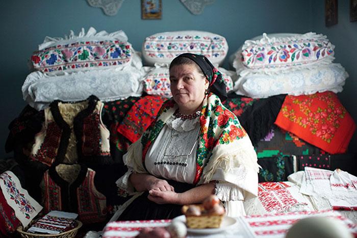 Румынские мастера из Бихора вот уже несколько поколений создают свою особую одежду.