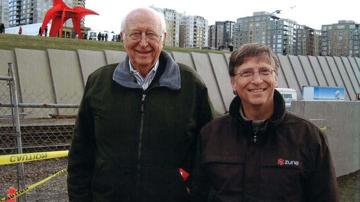 Отец Билла Гейтса страдает от болезни Альцгеймера.