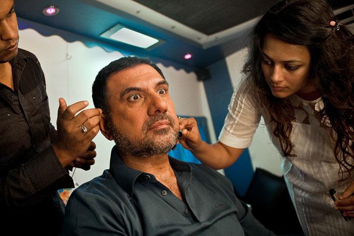 Боман Ирани готовится к съемкам трейлера на Mehboob Studio. *За последние 10 лет я снялся в 54 фильмах, для меня игра это вопрос мастерства.*