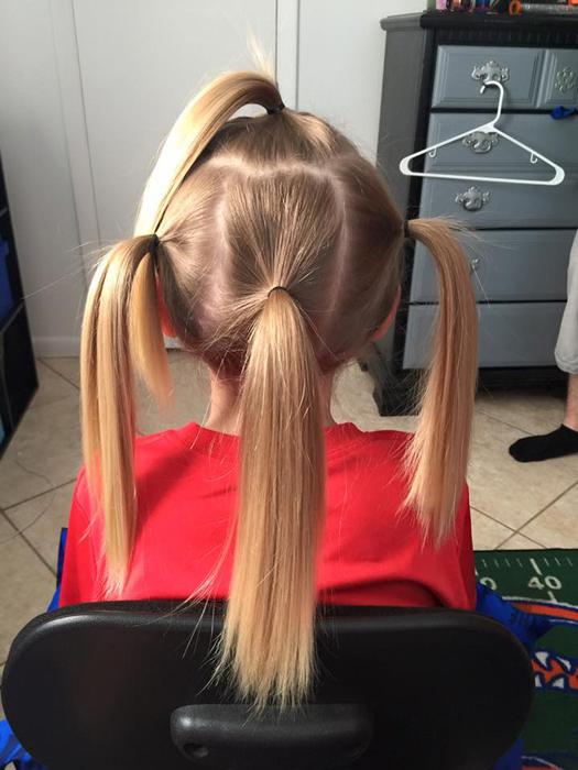 В день стрижки волосы Кристиана разделили на четыре пряди.