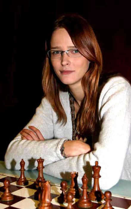 Кармен Касс за шахматами.