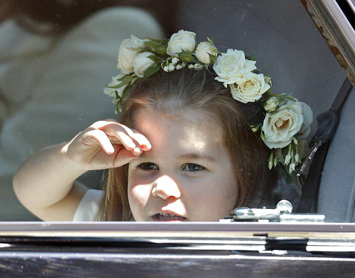 Шарлотта в роллс-ройсе.