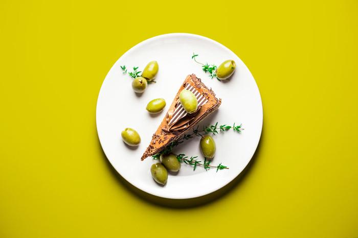 Шоколадный торт с оливками. 3 из 10.