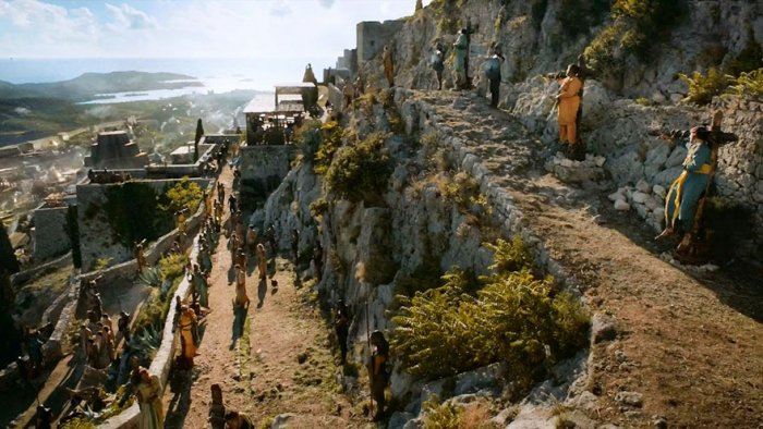 Крепость Клис — город Миэрин (5-й сезон).
