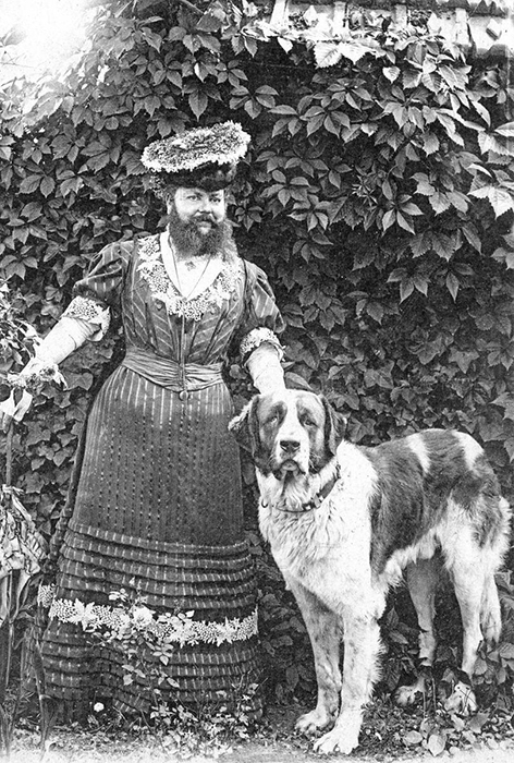 Француженка приняла приглашение на участие в карнавалах только после смерти мужа.