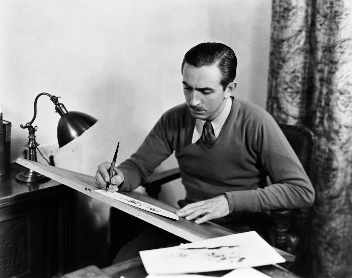 Уолт Дисней (Walt Disney) за работой, 1930-е.