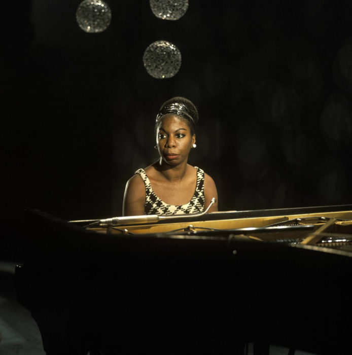 Nina Simone во время паузы на выступлении в  BBC TV centre 1968г. Автор фото: David Redfern.