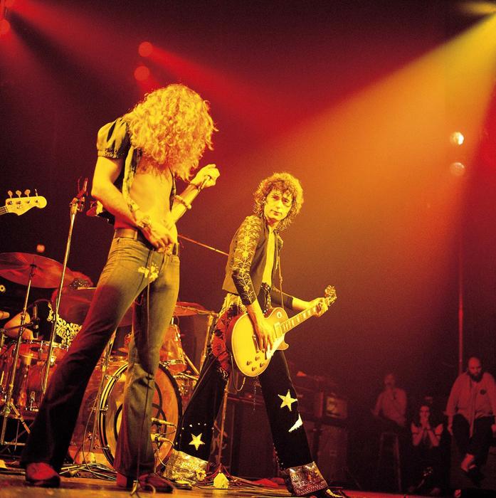 Led Zeppelin выступают в Нью-Йорке, в Madison Square Garden. 1973г.  Автор фото: David Redfern.