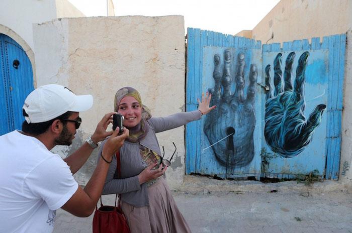 Работа Bom.K из Франции. Фото:  Mohamed Messara.