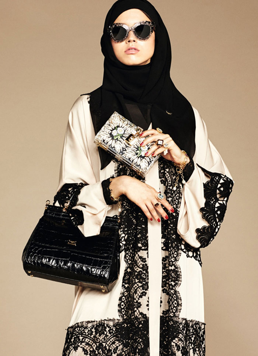 Сочетание различных тканей и фактур.The Dolce & Gabbana Abaya Collection.