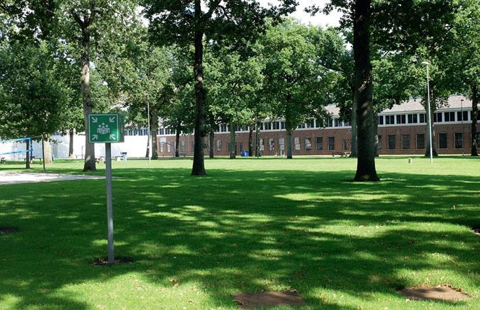 Внутренний двор голландской тюрьмы Norgerhaven.