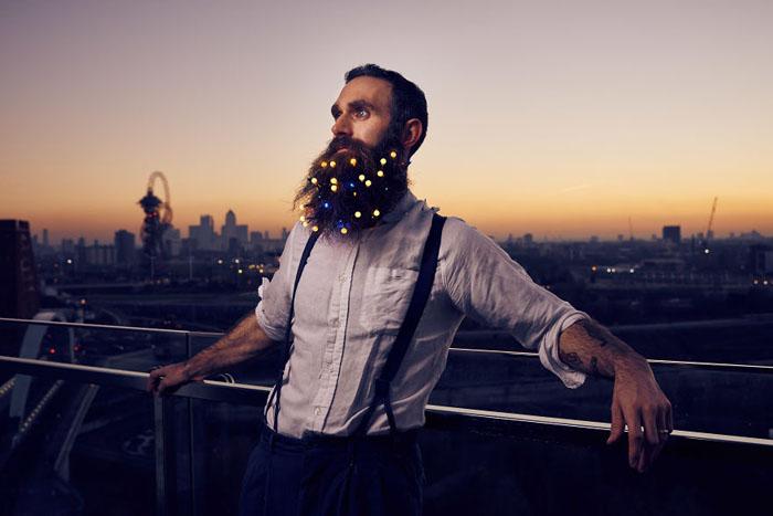 Гирлянды для бород. Фото: Mikael Buck.