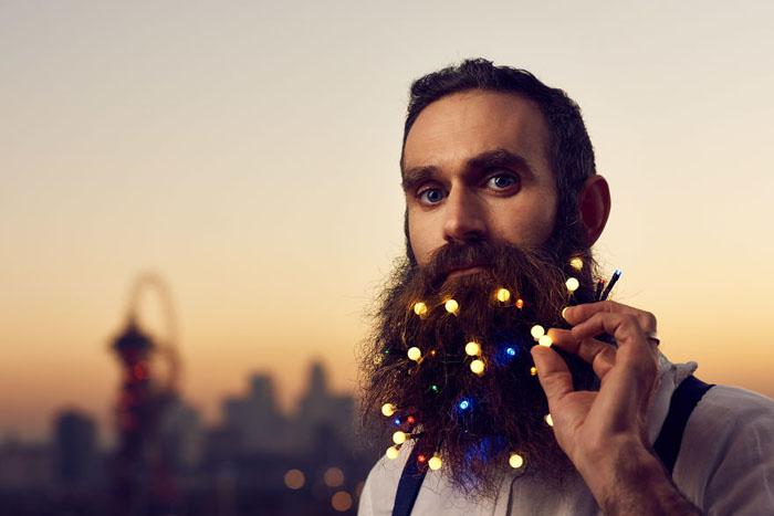 Необычный подход к мужским украшениям. Фото: Mikael Buck.