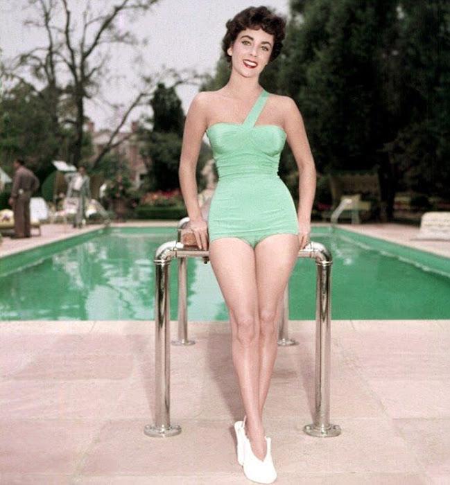 Фотографии Элизабет Тейлор 1940х годов.