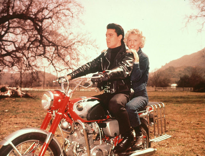 Элвис и Барбара Станвик в Калифорнии, 20 марта 1964г.
