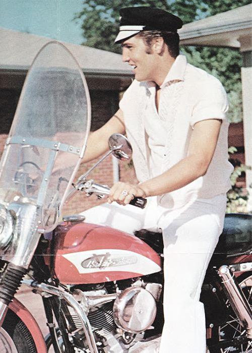 Элвис и Harley-Davidson. Сентябрь 1956г.