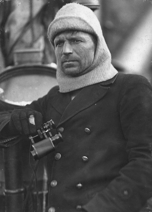 Фрэнк Уорсли, капитан «Эндьюранса».