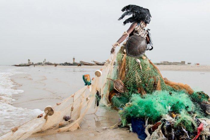 Fabrice Monteiro: проблема загрязнения природы в Сенегале.