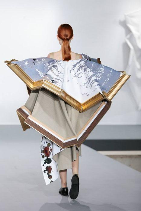 Платья-картины от Viktor & Rolf.