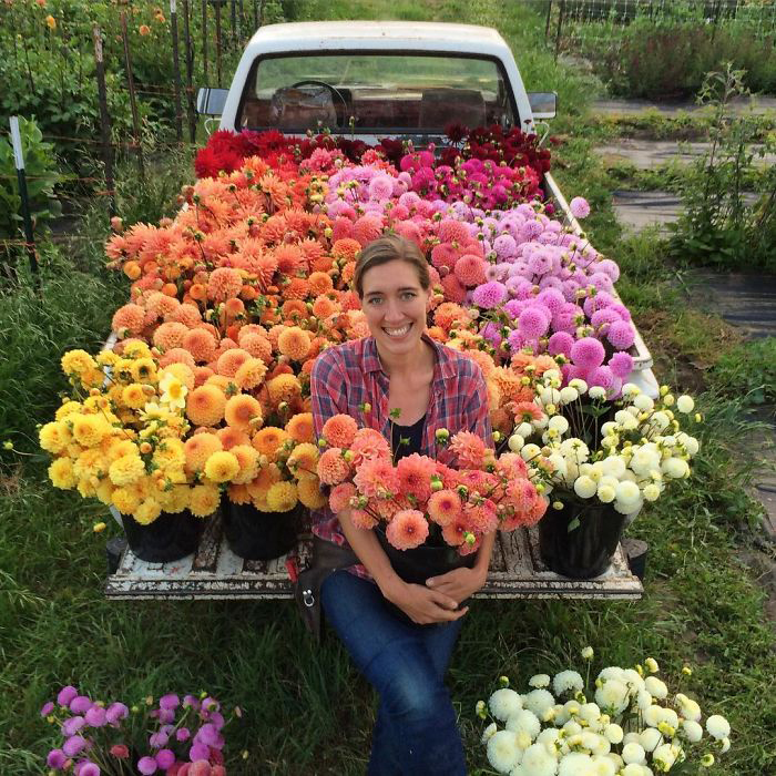 Эрин Бензакейн и ее *маленький фермерский грузовичок*.  Instagram floretflower.