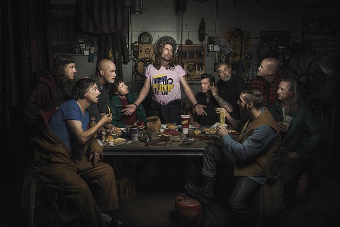 Последний ужин автомехаников. По мотивам картины Леонардо ДаВинчи. Автор фото: Freddy Fabris.