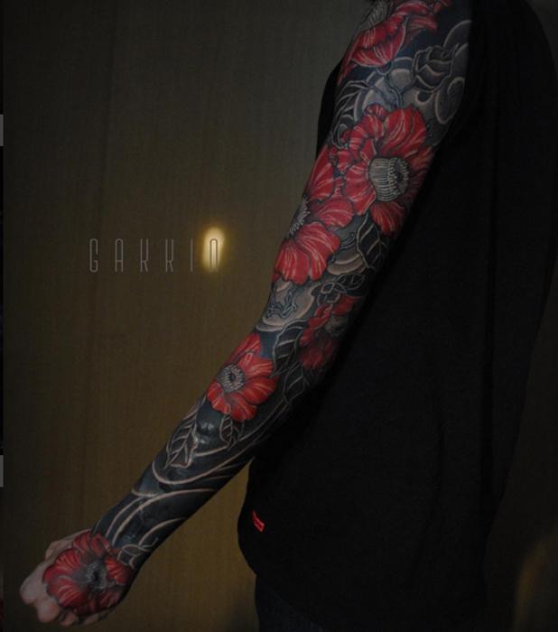 Татуировка на всю руку. Автор: Gakkin.