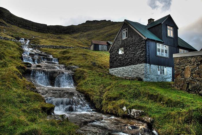 Удаленная деревня на сказочном острове.