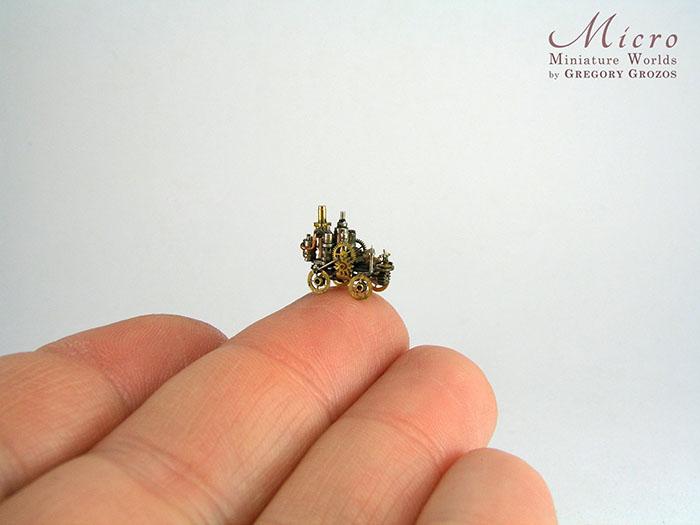 Одна из миниатюрных деталей.