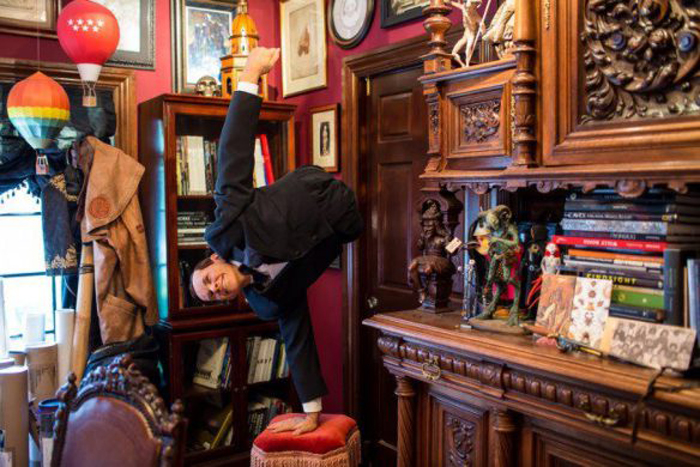Выставка *Guillermo del Toro: At Home with Monsters*.