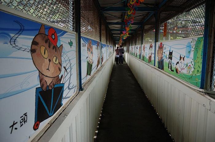 Туннель, соединяющий железнодорожную станцию с городом.