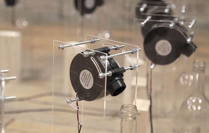Автор постарался сделать свою инсталляцию прозрачной и воздушной, как и сам ветер.